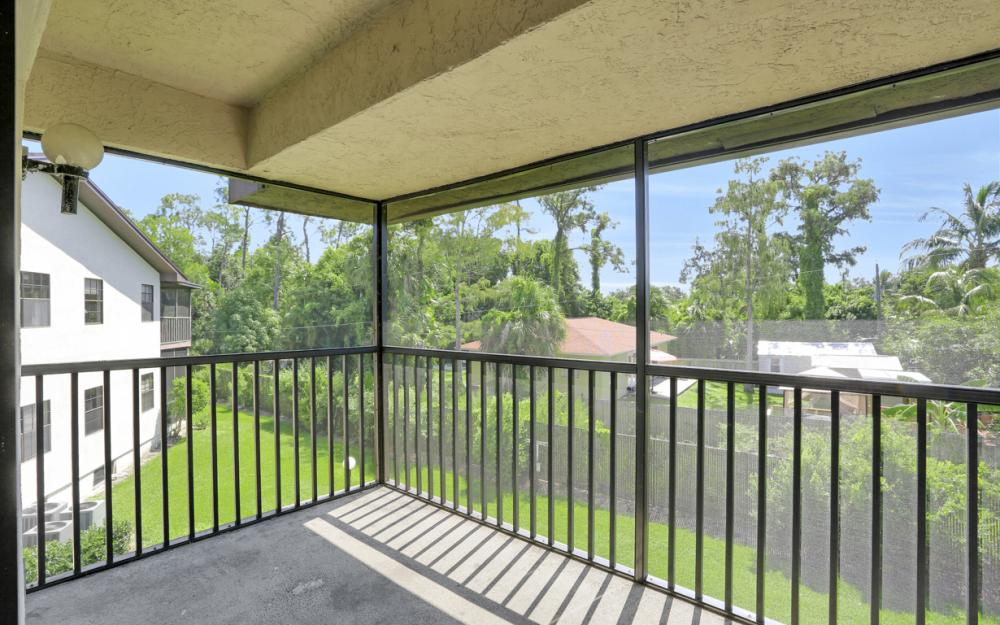 5276 Treetops Dr, Naples - Home For Sale 460624714