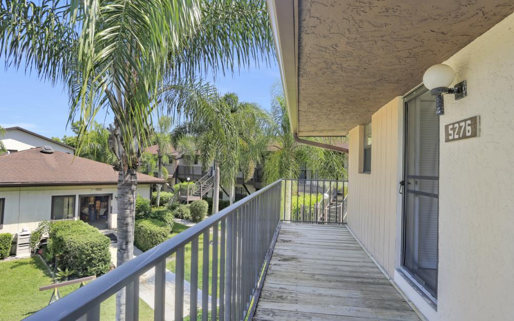 5276 Treetops Dr, Naples - Home For Sale 919364136