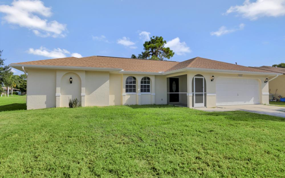 917 SW 23rd St, Cape Coral - Home For Sale 2115167843
