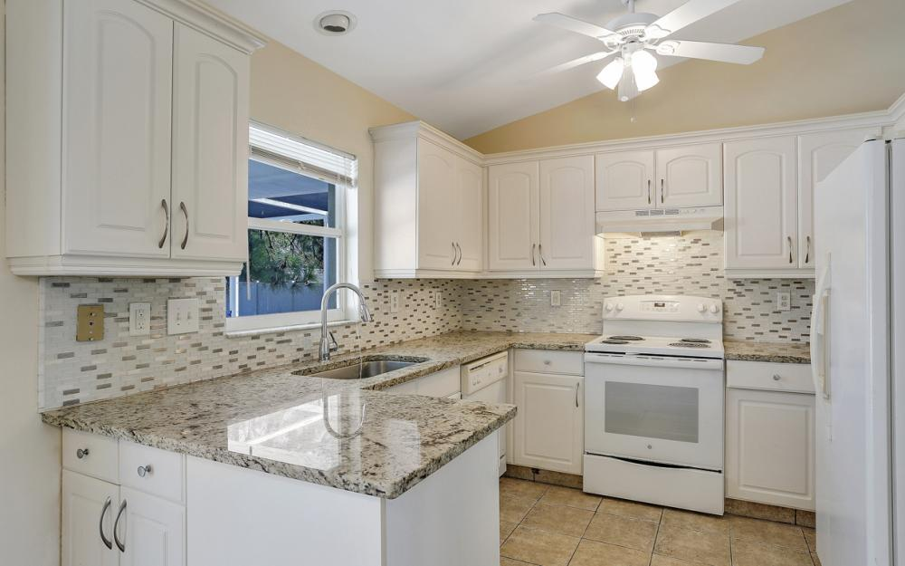 917 SW 23rd St, Cape Coral - Home For Sale 30553206