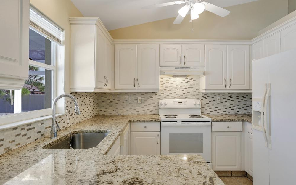 917 SW 23rd St, Cape Coral - Home For Sale 2089357437