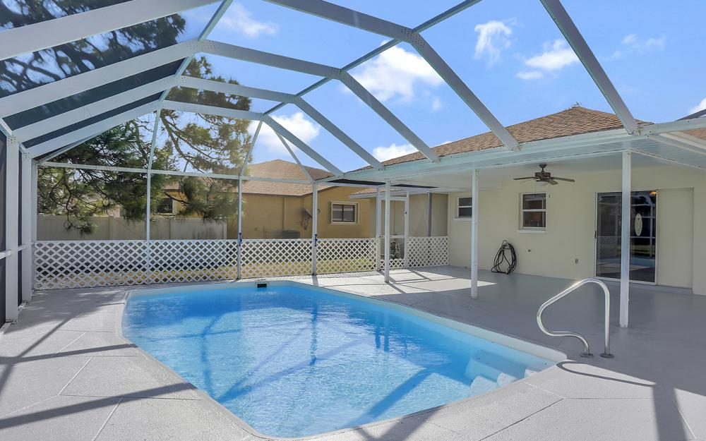 917 SW 23rd St, Cape Coral - Home For Sale 1907797093