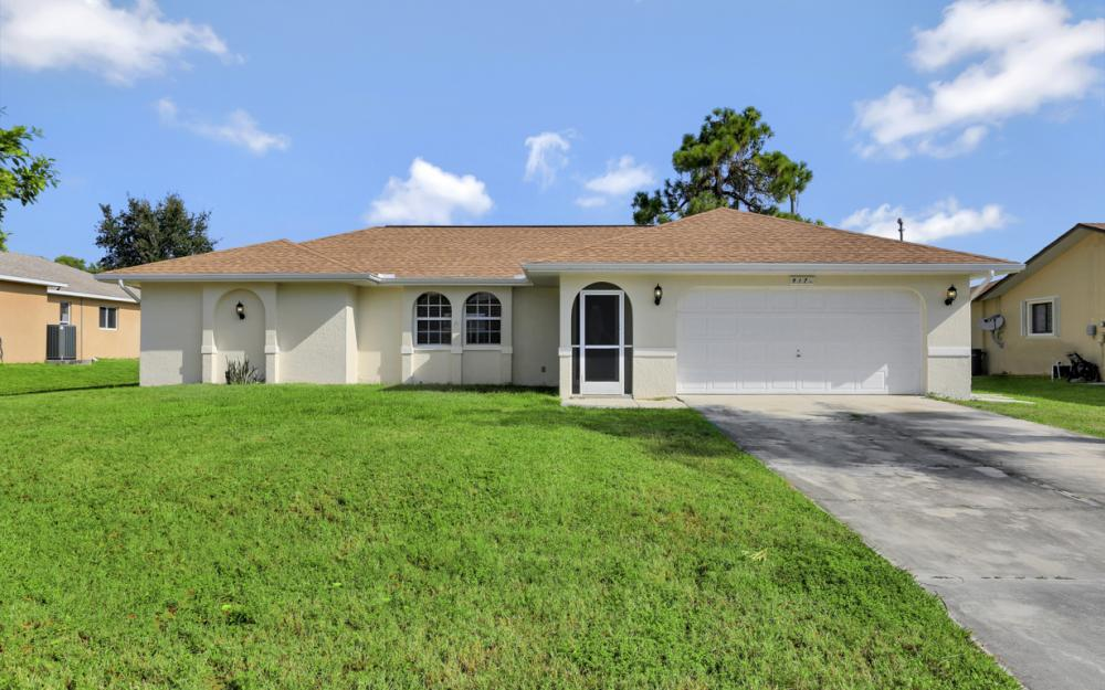 917 SW 23rd St, Cape Coral - Home For Sale 771428415