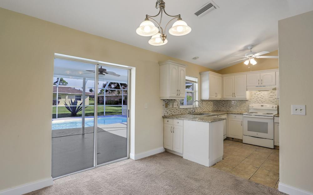 917 SW 23rd St, Cape Coral - Home For Sale 1860330259