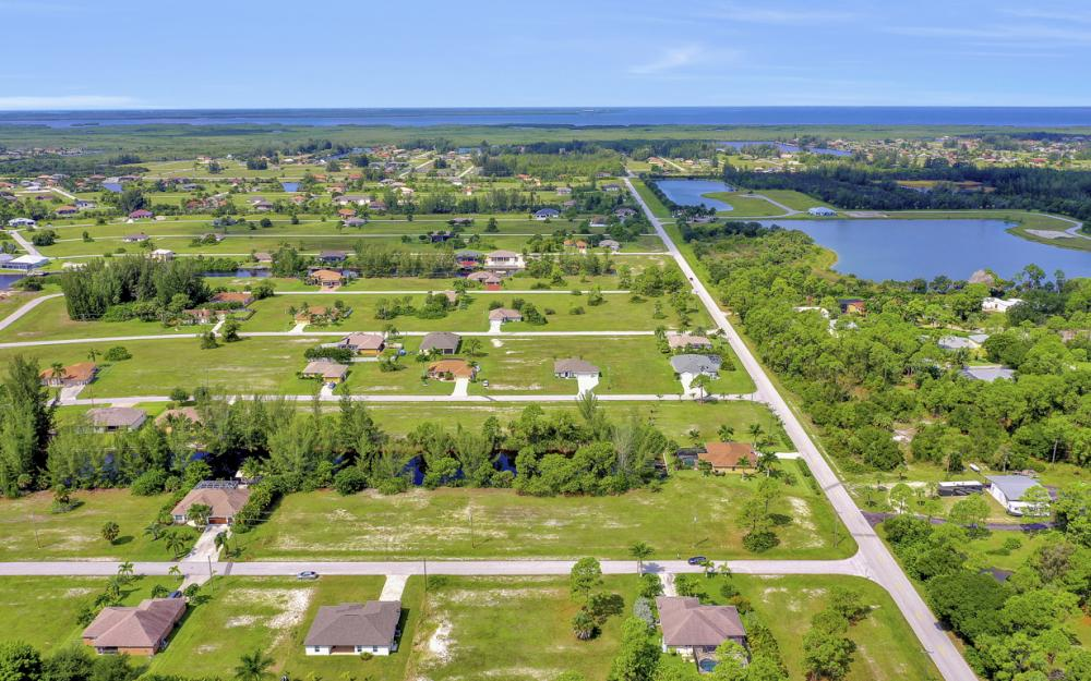 2333 NW 34th Ave, Cape Coral - Home For Sale 2058058123