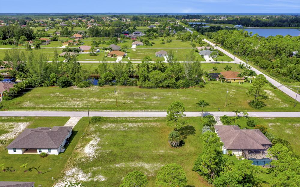 2333 NW 34th Ave, Cape Coral - Home For Sale 390325401