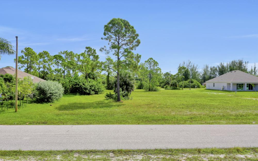 2333 NW 34th Ave, Cape Coral - Home For Sale 773679735