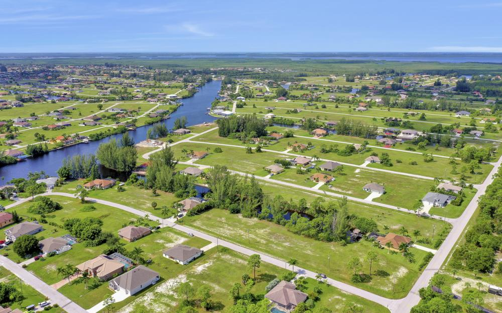 2333 NW 34th Ave, Cape Coral - Home For Sale 1569071392