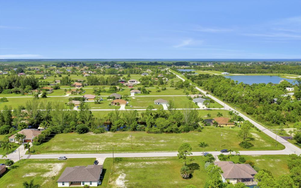 2333 NW 34th Ave, Cape Coral - Home For Sale 804585590