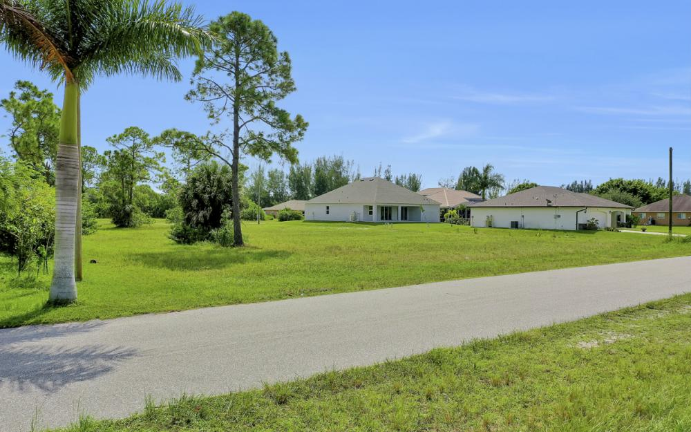 2333 NW 34th Ave, Cape Coral - Home For Sale 1210840774