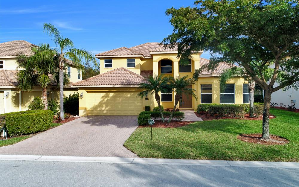 20643 Torre Del Lago St, Estero - Home For Sale 1467531060