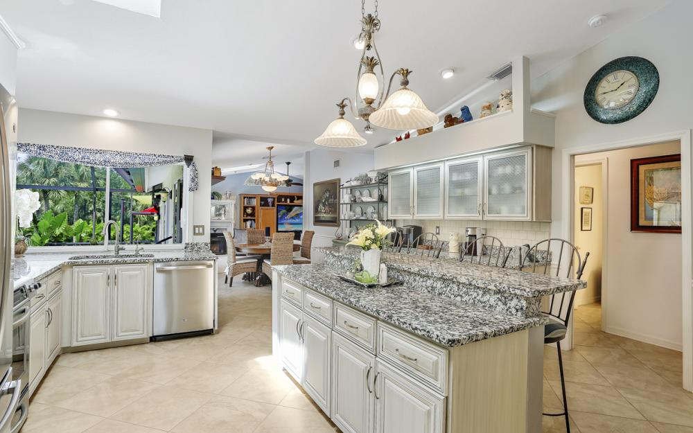 16112 Forest Oaks Dr, Fort Myers - Home For Sale 2063496776