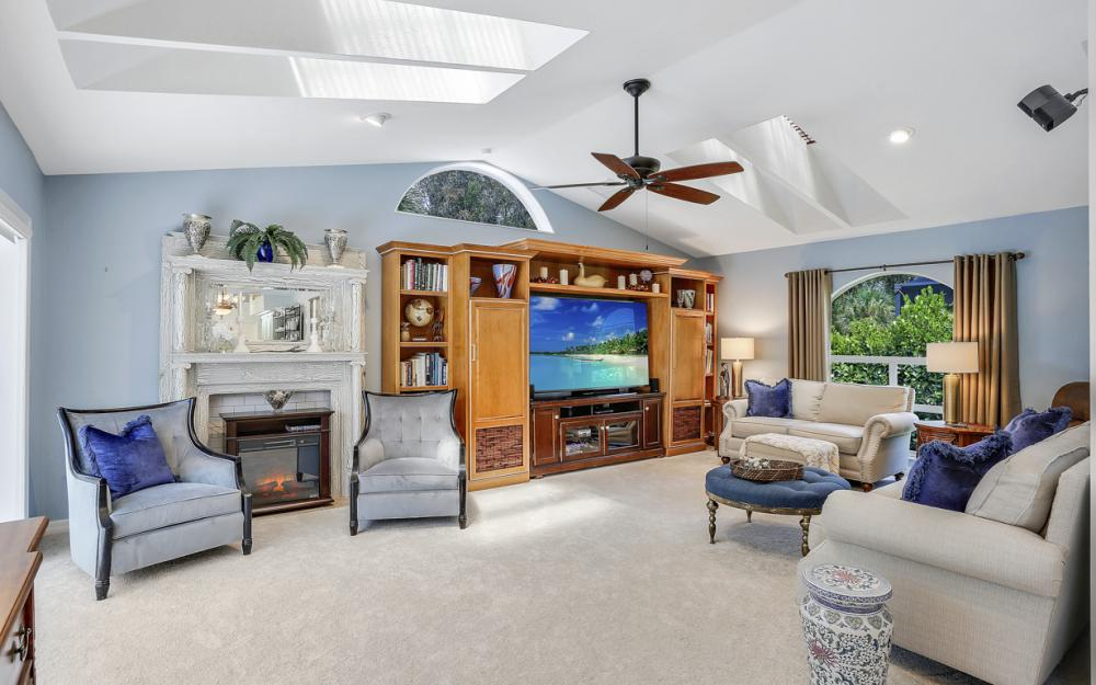 16112 Forest Oaks Dr, Fort Myers - Home For Sale 802411205