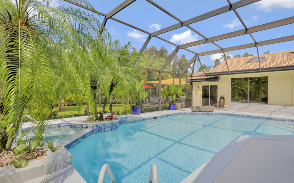 16112 Forest Oaks Dr, Fort Myers - Home For Sale 1073561734