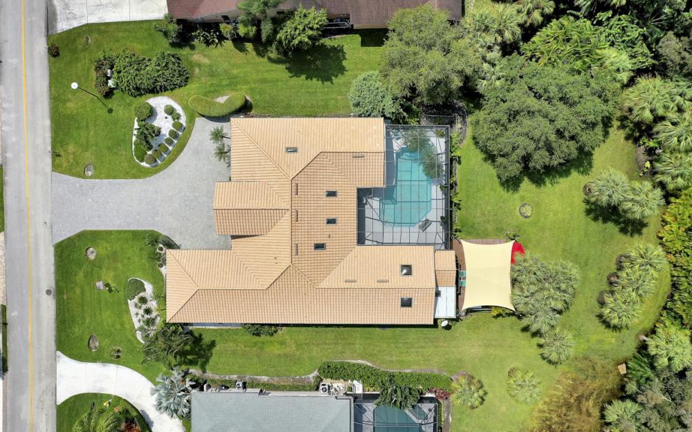 16112 Forest Oaks Dr, Fort Myers - Home For Sale 654701568