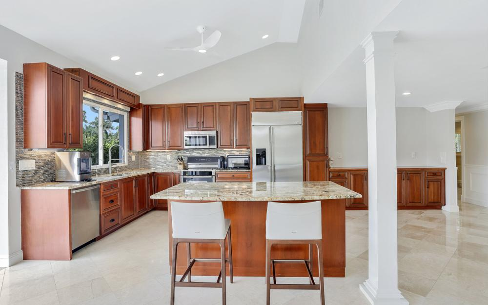 151 Bayview Ave, Naples - Home For Sale 526293870