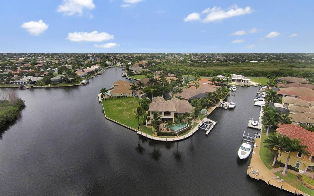 5647 Pennant Ct, Cape Coral - House For Sale 169987282