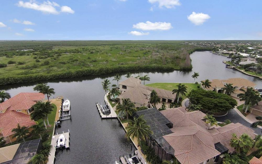 5647 Pennant Ct, Cape Coral - House For Sale 455335422