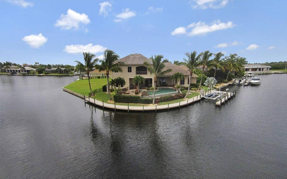 5647 Pennant Ct, Cape Coral - House For Sale 487710364