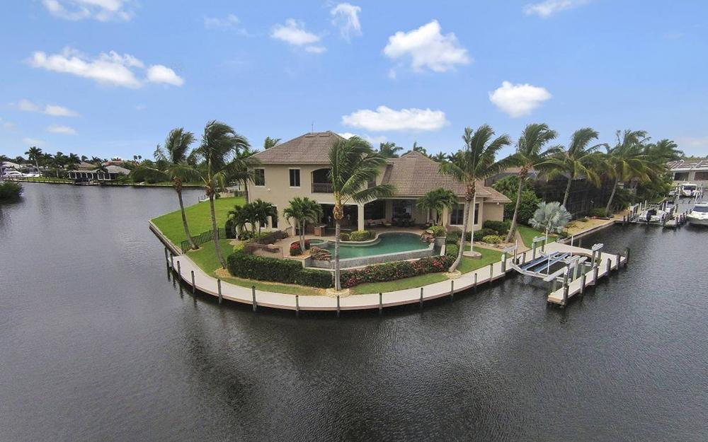 5647 Pennant Ct, Cape Coral - House For Sale 2116744554