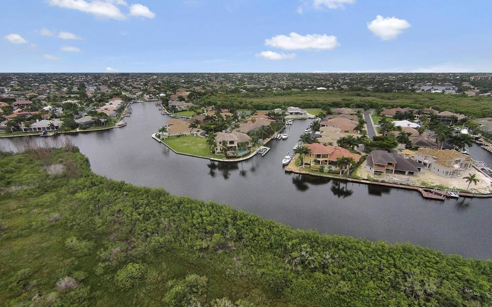 5647 Pennant Ct, Cape Coral - House For Sale 1283978616