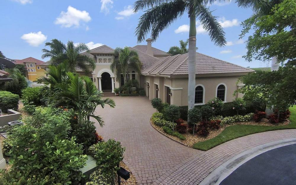 5647 Pennant Ct, Cape Coral - House For Sale 1044637240