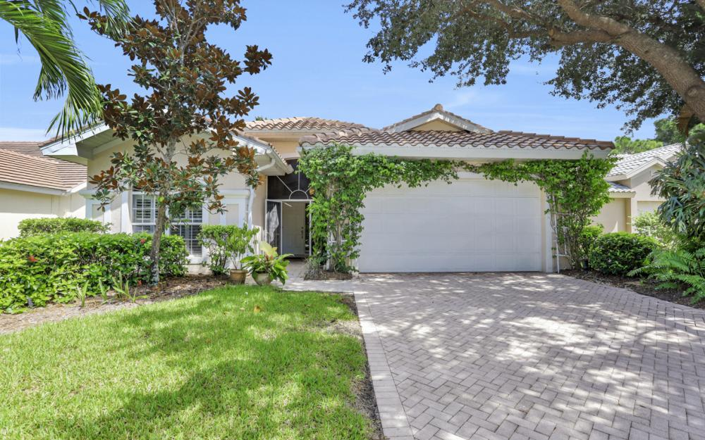 24879 Bay Cedar Dr, Bonita Springs - Home For Sale 1410243221