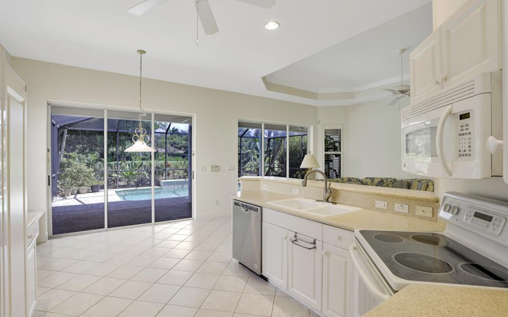 24879 Bay Cedar Dr, Bonita Springs - Home For Sale 507020652