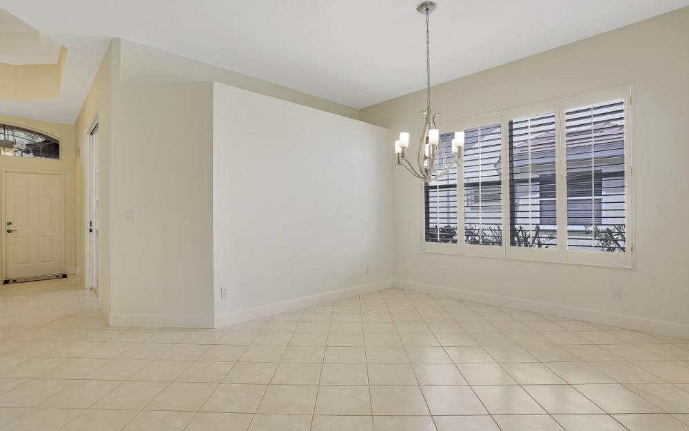24879 Bay Cedar Dr, Bonita Springs - Home For Sale 2010757888