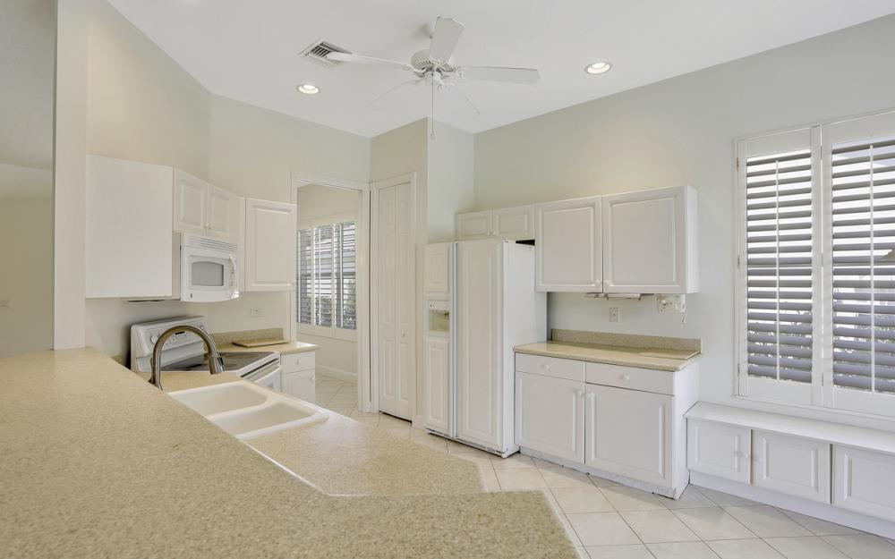 24879 Bay Cedar Dr, Bonita Springs - Home For Sale 726818874