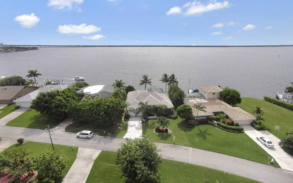 2921 SE 22nd Pl, Cape Coral - House For Sale 822290342