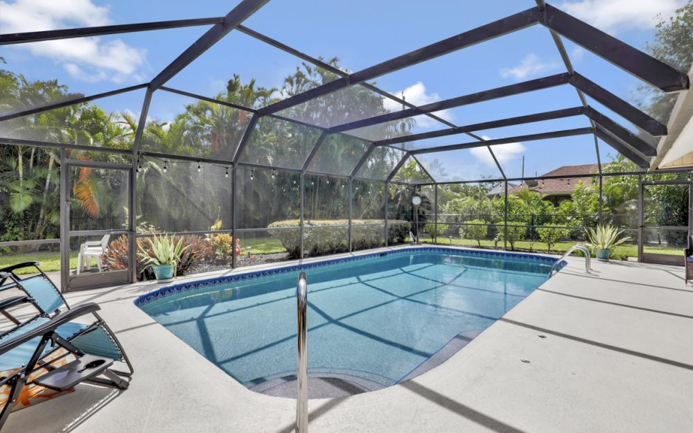 2545 Kings Lake Blvd Naples - Home For Sale 891251038