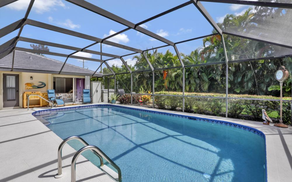 2545 Kings Lake Blvd Naples - Home For Sale 2118858737