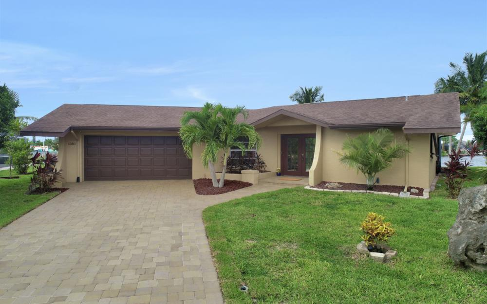 1301 SW 43rd Ter, Cape Coral - Home For Sale 1425573023