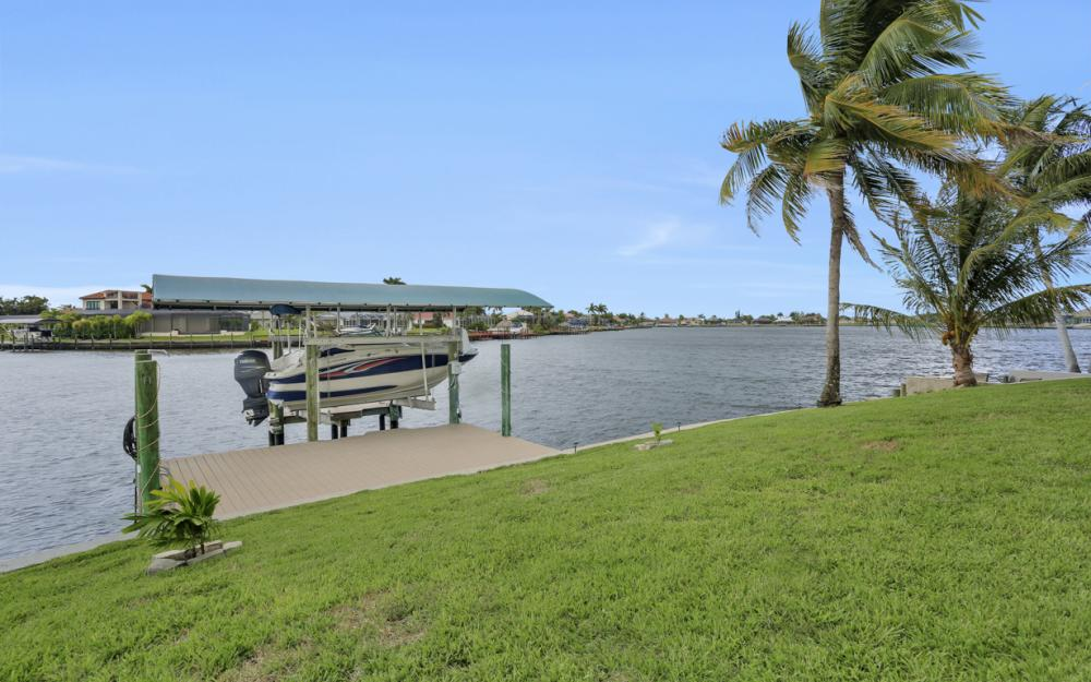 1301 SW 43rd Ter, Cape Coral - Home For Sale 1146620125