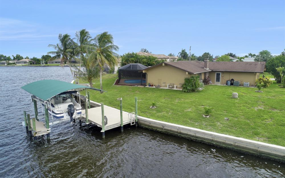 1301 SW 43rd Ter, Cape Coral - Home For Sale 1143616125