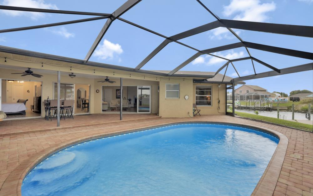 1301 SW 43rd Ter, Cape Coral - Home For Sale 742423446