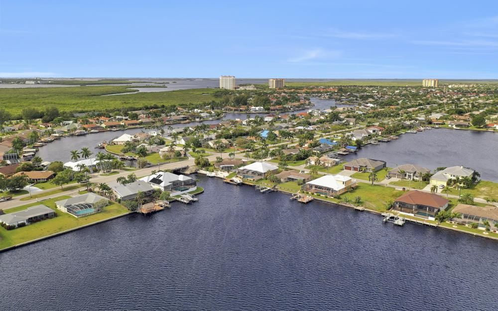 5423 SW 6th Ave, Cape Coral - Home For Sale 1781546146