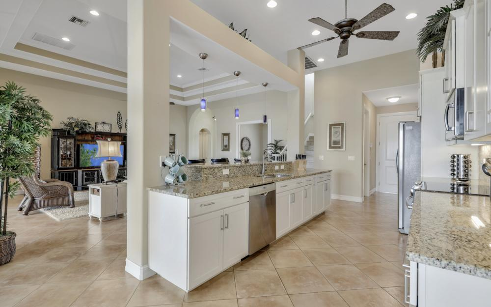 5423 SW 6th Ave, Cape Coral - Home For Sale 1064853995