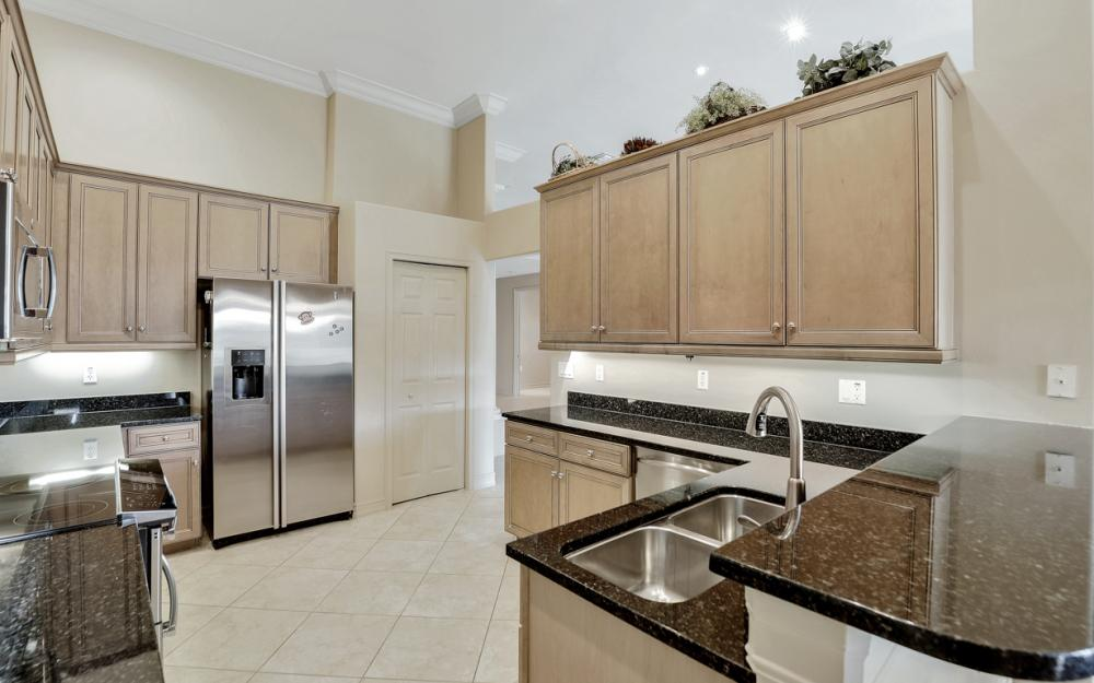9381 Triana Ter #3, Fort Myers - Condo For Sale 17617942