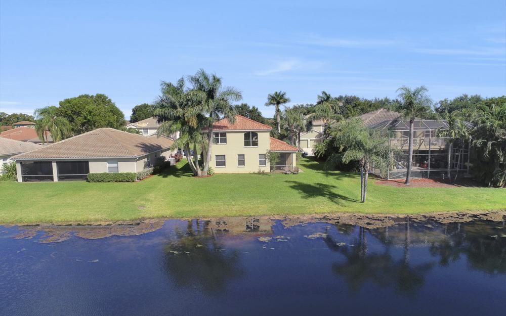 11077 Lakeland Cir, Fort Myers - Home For Sale 745509579