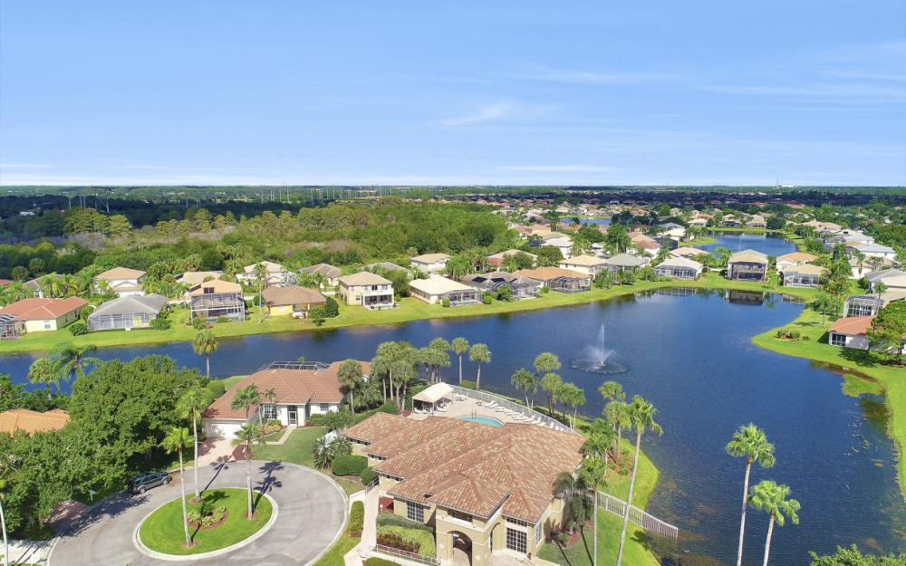 11077 Lakeland Cir, Fort Myers - Home For Sale 873579998