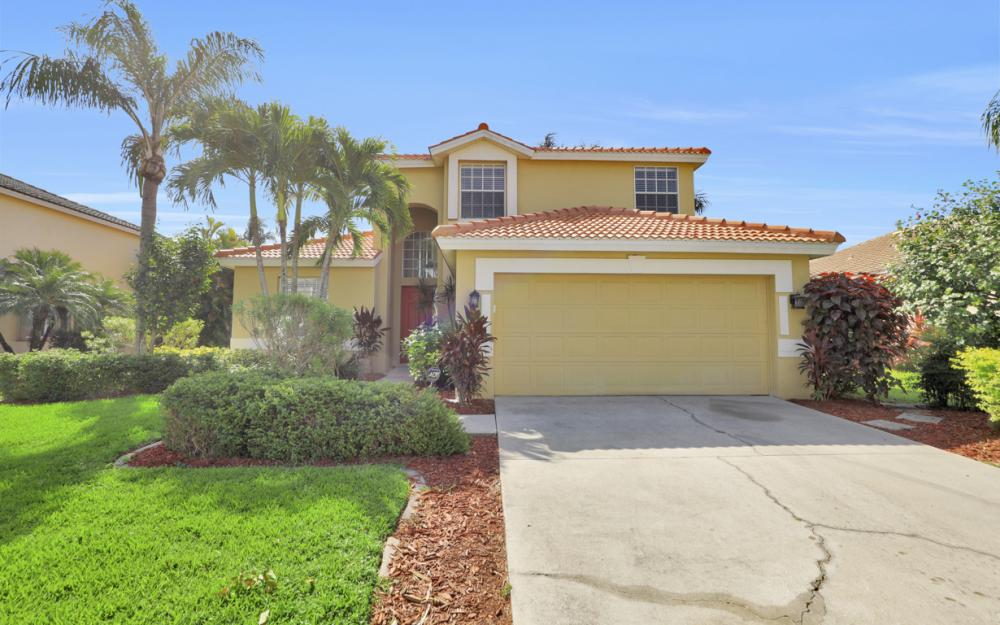11077 Lakeland Cir, Fort Myers - Home For Sale 2088387449