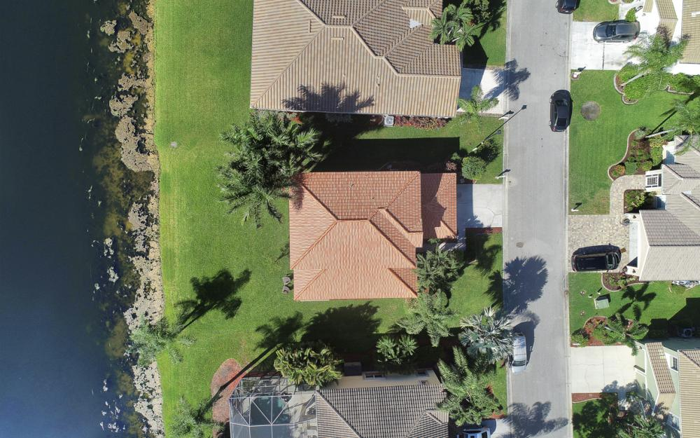 11077 Lakeland Cir, Fort Myers - Home For Sale 954437623
