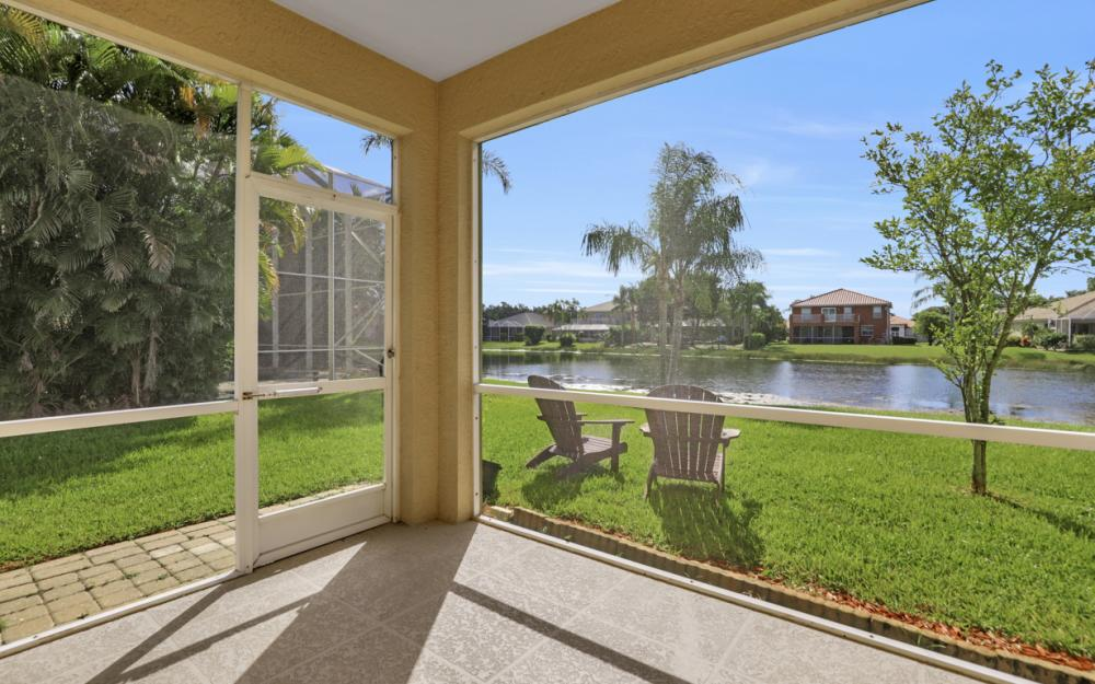 11077 Lakeland Cir, Fort Myers - Home For Sale 100117095