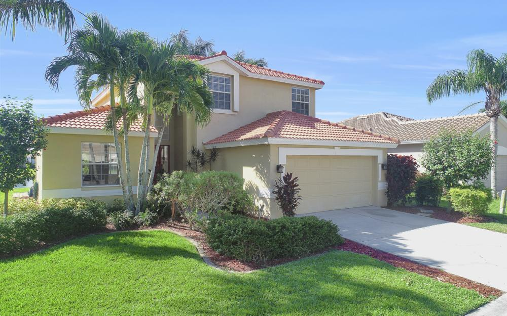 11077 Lakeland Cir, Fort Myers - Home For Sale 664348750
