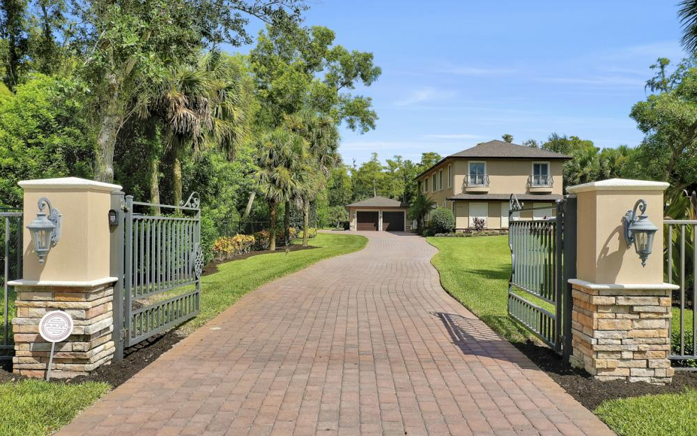 5745 Lancewood Way, Naples - Luxury Home For Sale 641894976