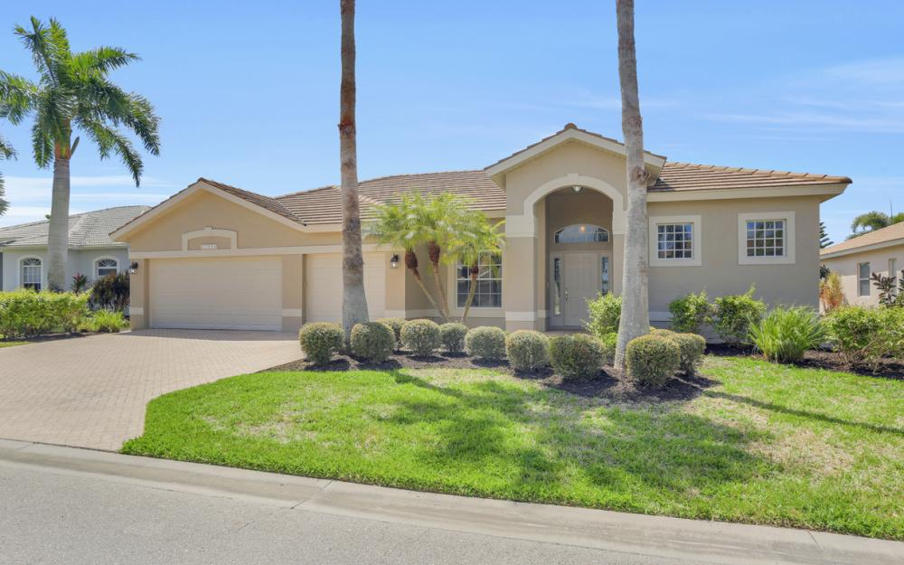 21524 Langholm Run, Estero - Home For Sale 832349173