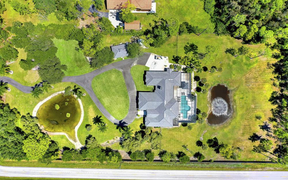 7090 Sandalwood Ln, Naples - Luxury Home For Sale 811678892