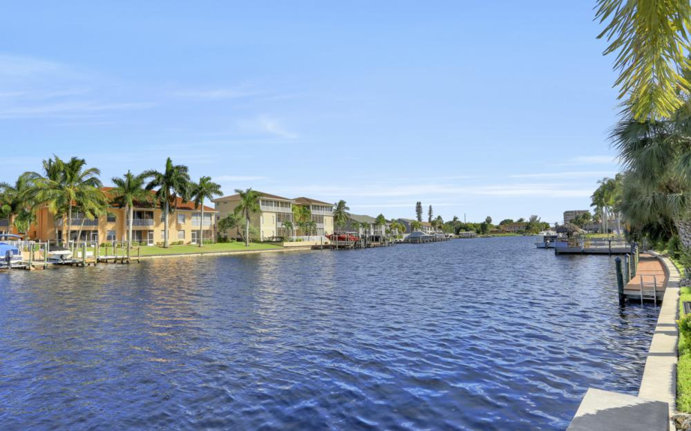 4525 Country Club Blvd #107, Cape Coral - Condo For Sale 1917342575